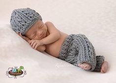 Ravelry: Double Helix Baby Pants or Shorties pattern by Crochet by Jennifer