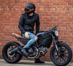 Me gusta, 75 comentarios - Scrambler Ducati (Scrambler Ducati) en Instagra. Ducati Scrambler Custom, Moto Bike, Cafe Racer Motorcycle, Motorcycle Design, Motorcycle Gear, Cafe Racer Helmet, Motorcycle Quotes, Cb 450 Cafe Racer, Cafe Racer Style