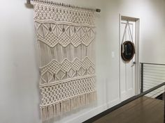 Large Macrame Wall Hanging/Tapestry/Weaving di HelloChiqui su Etsy