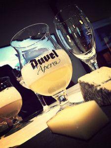 Cheerings - Beer and Cheese pairings: Duvel + Comté Beer Pairing, Cheese Pairings, Belgian Beer, Cocktails, Drinks, Craft Beer, Cheers, Wine Glass, Bacon