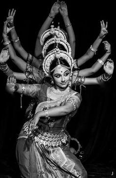 Odissi performance by Sujata Mohapatra. The dance featured is Mangalacharan (Ganesha Vandana)