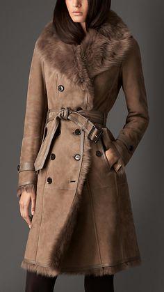 Trench coat largo de vellón de ovino   Burberry                                                                                                                                                                                 Más