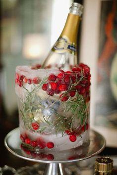 [Christmas] Holiday Decor via @stylemepretty