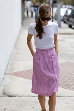 simply & perfect aladyinchicago: I'm in love with this Paper Bag Skirt in Raspberry Stripe from Emerson Fry. Modest Fashion, Love Fashion, Womens Fashion, Female Fashion, Pretty Outfits, Cute Outfits, Pretty Clothes, Kinds Of Clothes, Stripe Skirt
