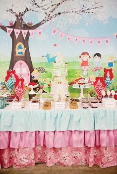 {Whimsical & Wonderful} Magic Faraway Tree Party // Hostess with . The Magic Faraway Tree, Childrens Party, A Table, Large Table, Party Planning, Party Time, Birthday Parties, Birthday Ideas, Whimsical