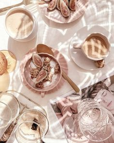 Healthy Ish Snacks To Fulfill Your Cravings Good Food, Yummy Food, Tasty, Flat Lay Fotografie, Fred Instagram, Instagram Summer, Style Instagram, Fotografia Retro, Aesthetic Food