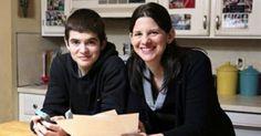 Διάσημη στο Ίντερνετ έγινε η μητέρα που δώρισε υπό όρους iPhone στον γιο της