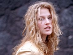 Actress and model Ali Larter ...  classy american Hairstyles...   .