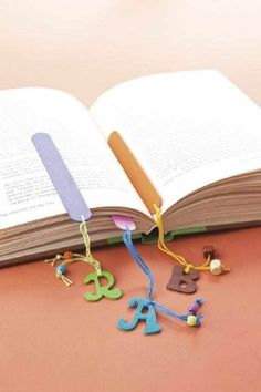 Earn Money From Home - Popsicle stick bookmarks! - You may have signed up to take paid surveys in the past and didn't make any money because you didn't know the correct way to get started! Kids Crafts, Cute Crafts, Craft Stick Crafts, Felt Crafts, Wood Crafts, Easy Crafts, Craft Projects, Diy And Crafts, Easy Diy