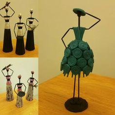 Craft Stick Crafts, Diy Crafts, Wine Bottle Art, Paper Weaving, Newspaper Crafts, Diy Flowers, Rolled Paper Art, Arts And Crafts, Facial Exercises