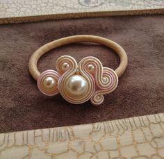 Shibori, Macrame Earrings, Soutache Jewelry, Handmade Accessories, Hair Accessories, Handmade Art, Handmade Jewelry, Bead Crochet, Beaded Embroidery