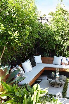 Backyard garden Oasis – 20 Urban Backyard Oasis With Tropical Decor Ideas… - Modern Outdoor Design, Backyard Design, Garden Seating, Outdoor Living Space, Small Backyard, Home, Outdoor Decor, Corner Seating, Patio Lounge