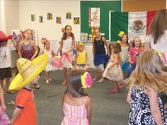 Kids actively learning Spanish through music and movement