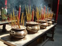 Inscene pots, Vietnam