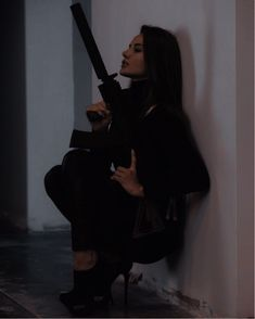 Detective Aesthetic, Boujee Aesthetic, Badass Aesthetic, Bad Girl Aesthetic, Character Aesthetic, Aesthetic Pictures, I Phone 7 Wallpaper, Mafia Wives, Katarina League Of Legends