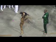 Evelyn Bastos - Mangueira 2016 - YouTube