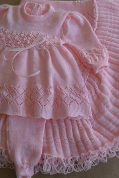Monte Sião Kids - All Models - Crochet Set - Örgü modelleri - Baby Knitting Patterns, Ladies Cardigan Knitting Patterns, Baby Girl Patterns, Baby Cardigan Knitting Pattern, Knitted Baby Cardigan, Knitting For Kids, Knitting Designs, Girls Knitted Dress, Knit Baby Dress