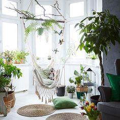 How to create an indoor oasis at home – get Margo's @margo.hupert.art top tips for decorating with plants on #IKEAIDEAS (link in bio) #IKEA #indoorplants #indoorgarden #whitedecor #urbanjungle #interiors #styleinspiration #hometour #interiordesign Photo: Dan Duchars