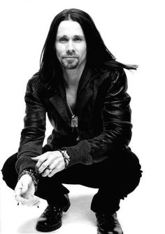 Join our Long Haired Men group @: www.facebook.com/groups/longhairedmen/ Myles Kennedy ♥