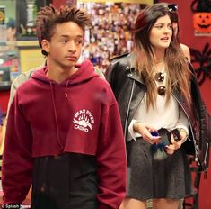 Kylie and Kendall Jenner enjoyed a lazy Sunday afternoon at Fatburger in Los Angeles with Jaden Smith