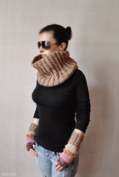 Chunky knit tube scarf / hand knitted infinity cowl / by Nastiin