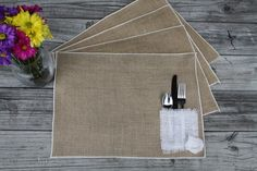 Burlap Placemats with Silverware Pocket Create And Craft, William Morris, Holiday Festival, Burlap, Diy Crafts, Table Clothes, Events, Pocket, Festive