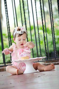 Baby girl cake smash photoshoot - photography - orlando - central Florida photographer - LoveMatePhotography.com