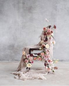 Flower play 👏🏻 reminding us to think out-side of the box with her beautiful chair 💐 installation. Wedding Designs, Wedding Styles, Wedding Photos, Silk And Willow, Flower Installation, Fabric Installation, Wedding Chairs, Floral Wedding, Wedding Bouquets