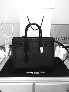 d0815d8025 handsome handbags and purses Louis Vuitton 2017 luxury bags   Louisvuittonhandbags  handbags  handsome