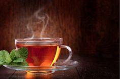 Además de contener cafeína, varios tipos de té poseen otros componentes que pueden mejorar…