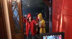 Things videos Stranger Things 3 - Behind the Scenes with Sillie - Millie & Sadie Sillie - Millie Bobby Brown and Sadie Sink sing and dance - Ketchup & Mustard. Behind the scenes of Stranger Things (Source: Shawn Levy) Stranger Things Videos, Stranger Things Actors, Bobby Brown Stranger Things, Watch Stranger Things, Stranger Things Have Happened, Stranger Things Aesthetic, Stranger Things Season 3, Stranger Things Netflix, Stranger Things Upside Down