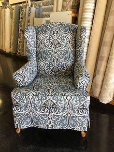Astounding Cool Ideas: Upholstery Trim Tips upholstery nails ottomans.Upholstery Diy Drop Cloths custom upholstery home decor.Upholstery Tips Home. Reupholster Furniture, Furniture Repair, Furniture Upholstery, Furniture Makeover, Upholstery Nails, Upholstery Repair, Upholstery Cushions, Upholstery Cleaning, Slipcovers