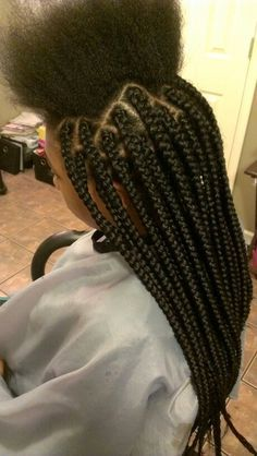 Top 60 All the Rage Looks with Long Box Braids - Hairstyles Trends Curly Hair Styles, Natural Hair Styles, Medium Box Braids, Thick Box Braids, Box Plaits, Large Box Braids, Pelo Afro, Box Braids Styling, Styling Tips