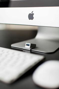 The iMacompanion - An USB3-extension for the iMac without compromising the sleek design of the iMac!