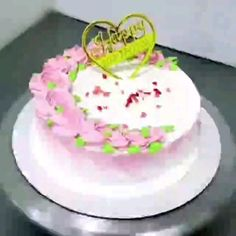 Buttercream Cake Decorating, Cake Decorating Designs, Creative Cake Decorating, Cake Decorating Videos, Birthday Cake Decorating, Simple Cake Designs, Simple Cakes, Creative Birthday Cakes, Cake Birthday