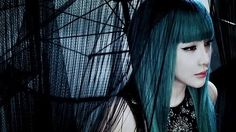 Park Bom from in the MV for It hurts. Teal Hair Dye, Dark Teal Hair, Blue Green Hair, Dyed Hair, Dark Blue, Turquoise Hair, Teal Green, Blue Makeup, Hair Makeup