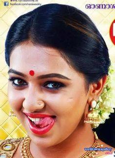 South Indian Actress Hot, Indian Actress Photos, Bollywood Actress Hot Photos, Bollywood Girls, Beautiful Bollywood Actress, Most Beautiful Indian Actress, Tamil Girls, Indian Actresses, Beautiful Girl In India