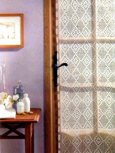 tejidos artesanales en crochet: cortina con rombos en cadena tejida en crochet