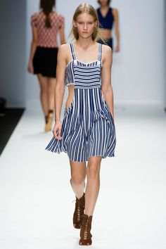 Vanessa Bruno Spring 2014 Ready-to-Wear Collection Slideshow on Style.com