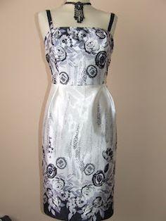 Varrókuckó: Bordűrös selyemruha Two Piece Skirt Set, Formal Dresses, Skirts, Fashion, Dresses For Formal, Moda, Formal Gowns, Fashion Styles, Skirt