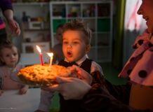 Профессиональный Репортажный Фотограф в Санкт-Петербурге Birthday Candles, Family Photos, Family Pictures, Family Photo, Family Photography, Family Posing