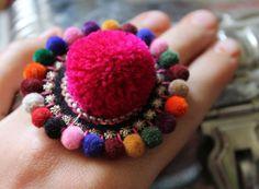 ♥ Fluffy ♥ Extra großer large Ring mit Samtperlen und Pompon Bommel Puschel - multi von Anarkali auf DaWanda.com