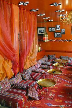 Eating Out in Marrakech, from Riad Restaurants to Rooftop Cafes - bohemian room ideas Moroccan Room, Moroccan Interiors, Moroccan Decor, Design Marocain, Style Marocain, Cafe Interior, Best Interior, Interior Design, Sala Oriental