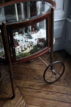 scene inside of a tea cart Tea Trolley, Tea Cart, Christmas Party Drinks, Christmas Time, Christmas Ideas, Victorian Christmas, Vintage Christmas, Ella Home, Coffee Table With Wheels