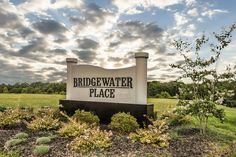 Knoxville wedding venue Bridgewater Place   The Pink Bride www.thepinkbride.com/must-know-wedding-venue-details-prior-booking