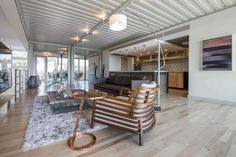 Luxury Container House Made with 14 Shipping Containers - USA - Living in a Container Usa Living, Home And Living, Living Room, Shipping Container Homes, Shipping Containers, Casas Containers, Container Architecture, Garden Architecture, Residential Construction