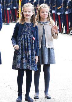 La Princesa Leonor y la Infanta Sofía conquistan en el desfile de la Fiesta Nacional