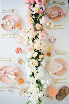 day dinner party table settings Inspiration for Valentine's Entertaining Decoration Evenementielle, Elegant Table Settings, Party Planning, Event Planning Design, Wedding Table, Floral Arrangements, Wedding Flowers, Wedding Decorations, Party Table Decorations