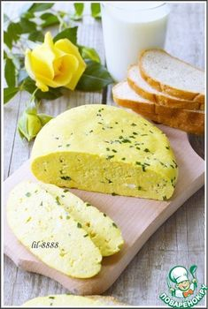 Recipe: Homemade cheese with green onions and caraway seeds . Queso Cheese, Wine Cheese, Cheese Recipes, My Recipes, Cooking Recipes, Homemade Cheese, No Cook Desserts, Russian Recipes, Appetizers For Party