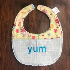 Unique Baby Gifts, Handmade Gifts, Baby Bibs, Baby Shower Gifts, Birds, Trending Outfits, Unique Jewelry, Etsy, Kid Craft Gifts
